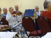 DSC04422-fiddle player