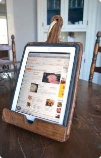 Best of PB #5: Vintage Breadboard Kitchen iPad Stand