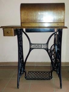 Singer-Naehmaschine-1914-781x1024