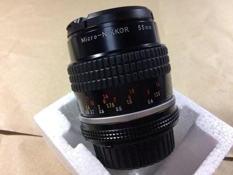 Nikon Micro-Nikkor 55mm f/2.8 本体横からです。