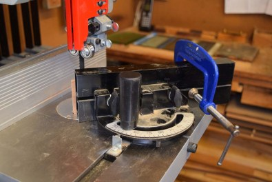 Cutting mitres on Trade BS11 bandsaw