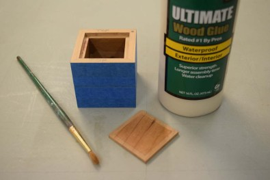 Application of glue for lid and base