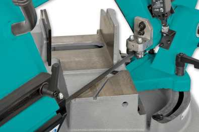 Swivelling head assembly on the UE-153DV1 Bandsaw