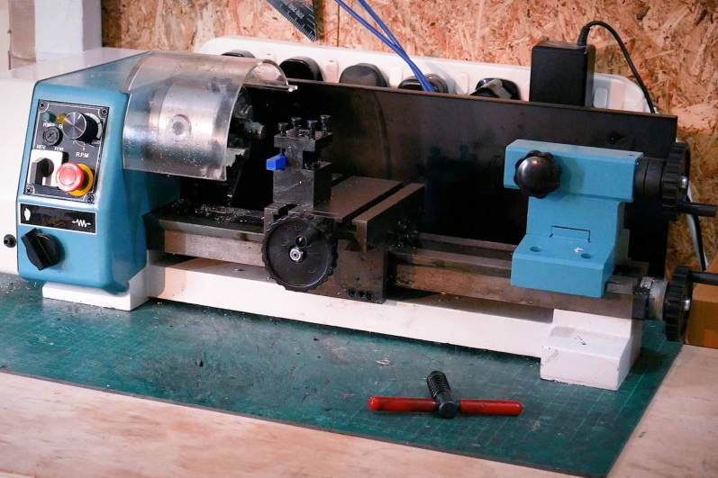Axminster C1 Engineering Lathe On Bench
