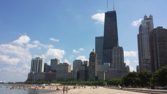 Oak_Street_Beach_Chicago