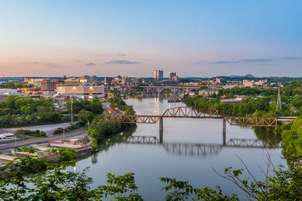 Tennessee River flowing through downtown Knoxville