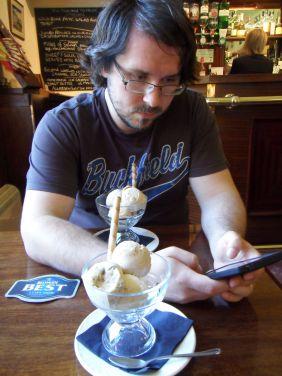 Homemade Icecream nach der Wanderung - Peanutbutter, Malteser und Banoffee
