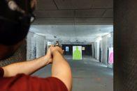 Tomus gönnt sich lieber einen Revolver mit etwas mehr Durchschlagskraft