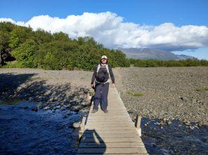 Wir kommen endlich wieder am Fuß des Berges an. Die Brücken knarzen und wackeln ganz schön - in Island ist alles halt doch noch ein wenig einfacher gehalten