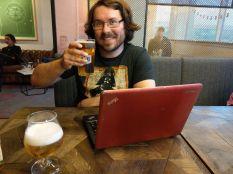 """Wir lassen den letzten Abend bei Bier und Cider (hier ist immer Happy Hour. Ein 0,5l Bier für """"nur"""" 5 EUR) ausklingen, während wir die Fotos der letzten Tage noch zusammensuchen."""