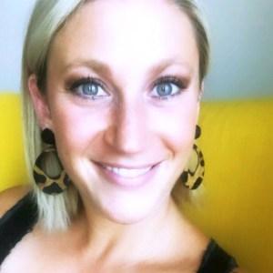 Phoebe Mroczek, Host of UNBECOMING