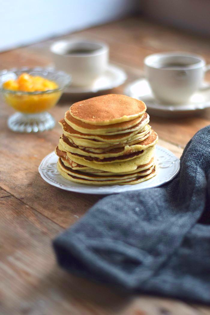 Pancake Breakfast - Pancake Frühstück - Pancakes with maple syrup (1)