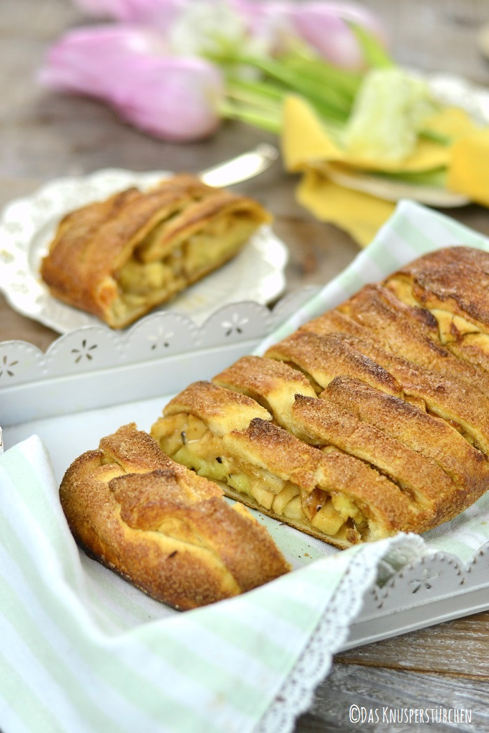 Apple Pie Stromboli 8-1