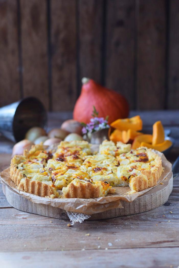 Zwiebelkuchen mit Kürbis und Mürbeteig - Onion Tart Cake with pumpkin #herbst #fall #dinner #dinnertime (1)