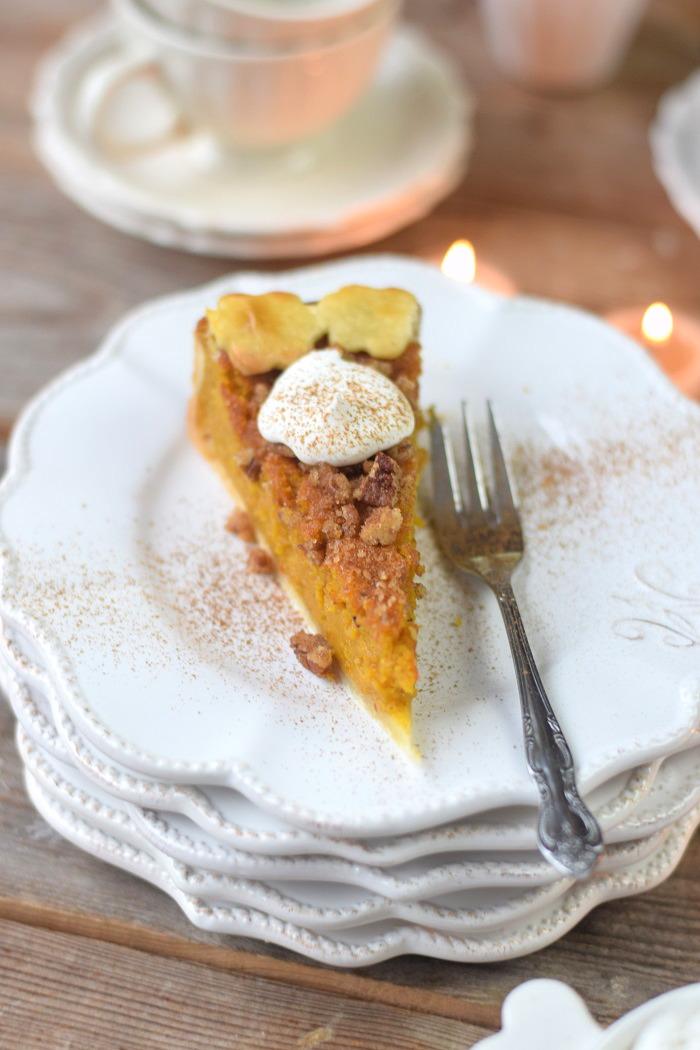 Pumpkin Pie with pekan crunch - Kürbis Pie mit Pekan Krokant Streuseln (21)