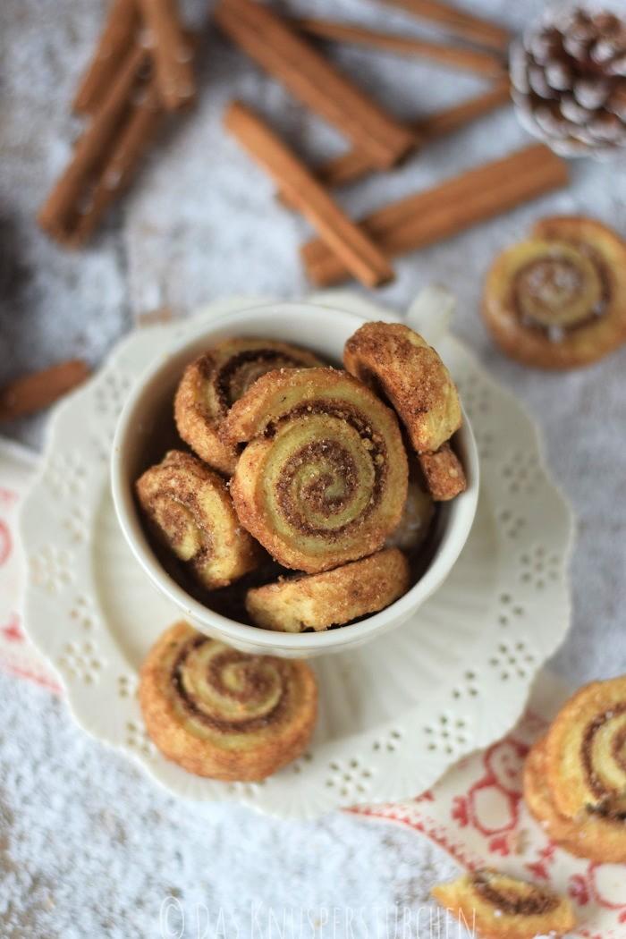 Haselnuss Zimtbällchen und Zimtschnecken Kekse Plätzchen (11)