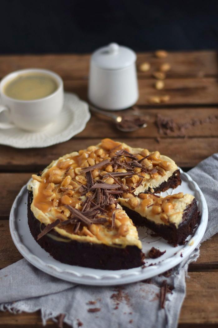 Schokokuchen (glutenfrei) mit Erdnusscreme und Karamell Glutenfree Chocolate Cake (10)