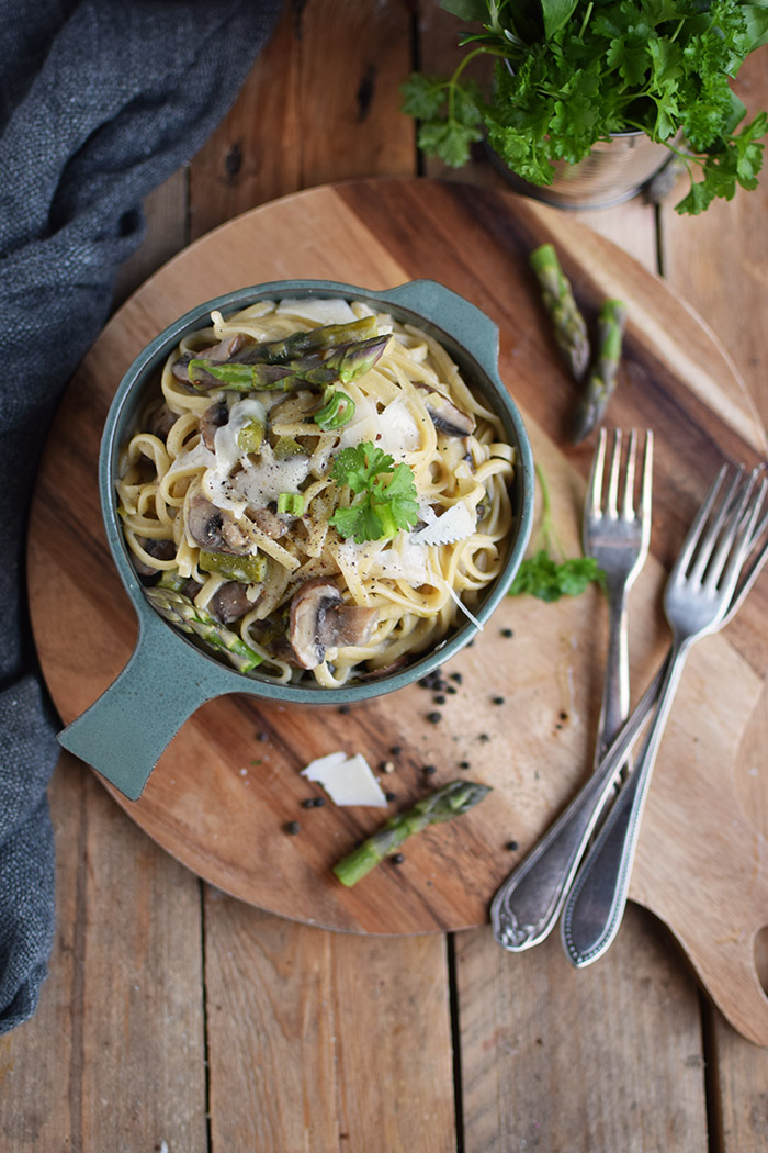 One Pot Pasta mit Pilzen und Spargel - One Pot Pasta with mushrooms and green asparagus (1)