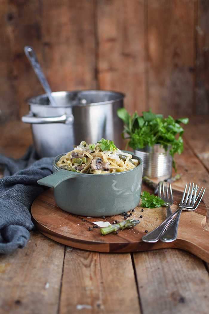 One Pot Pasta mit Pilzen und Spargel - One Pot Pasta with mushrooms and green asparagus (20)