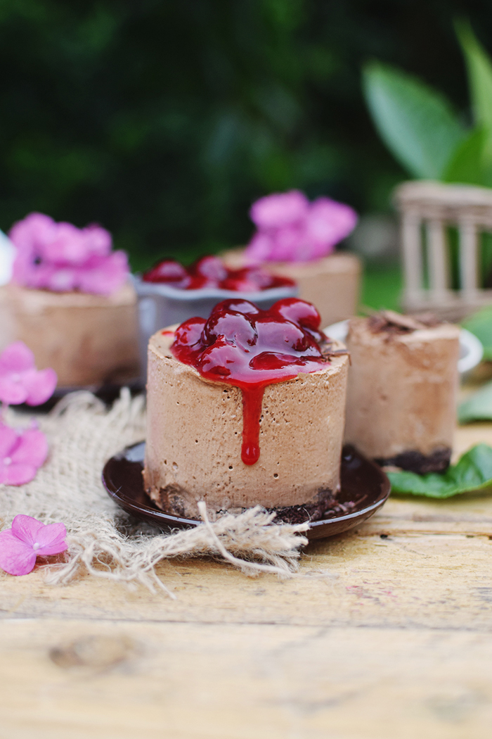 Geeiste Schoko Mousse mit Kirschen - Iced Chocolate Mousse with cherries (6)