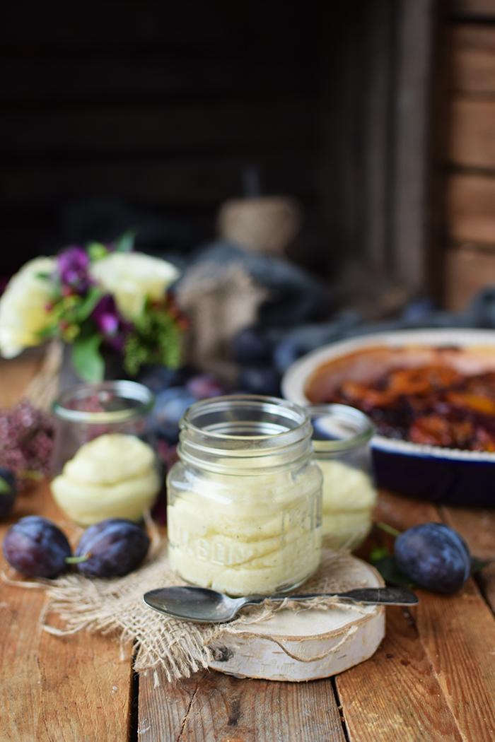 griesspudding-mit-pflaumenkompott-semolina-custard-with-plum-compote-11