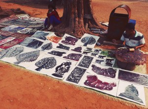 Bought some colorful artworks and handicrafts from the locals ~