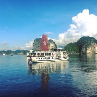 vietnam-halong-bay-18-morning