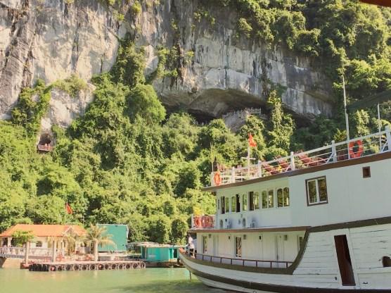 vietnam-halong-bay-4-surprise-cave