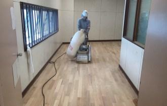松本市内学校教室7部屋研磨塗装工事終了