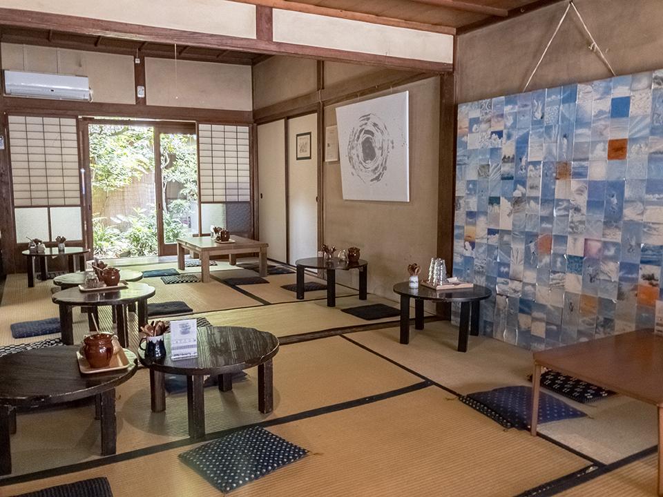 ゲストハウス&カフェ『有鄰庵』内観