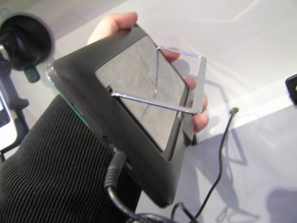Первые фото Android-планшета «МТС»