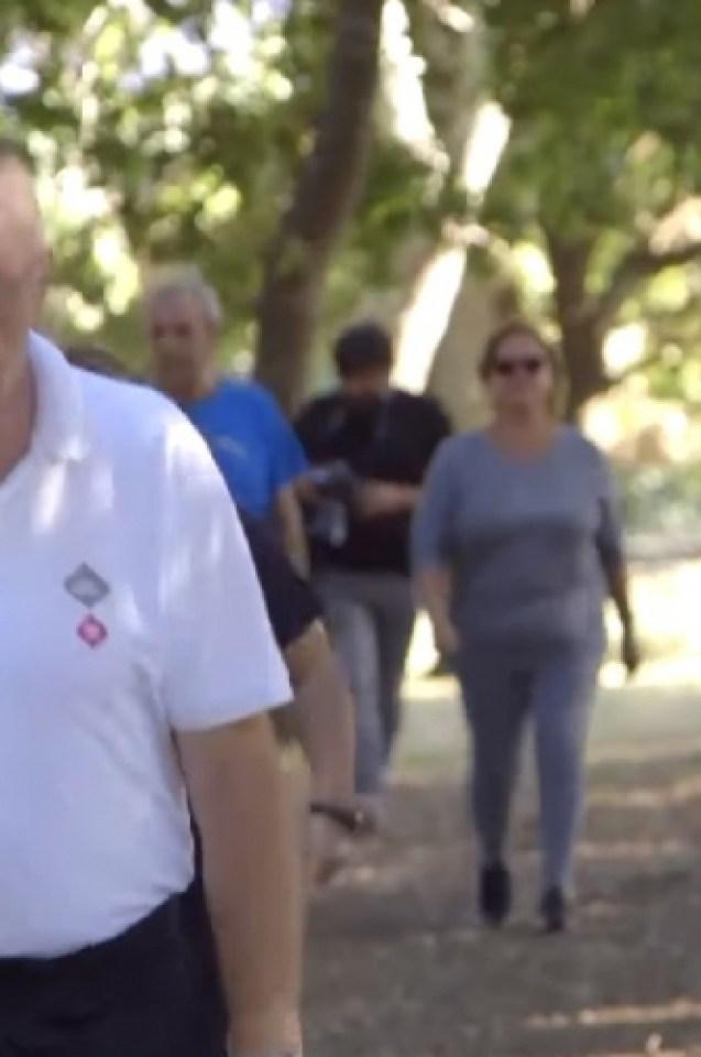 Жителите на испански град решиха, че трябва да свалят общо 100 тона (ВИДЕО)