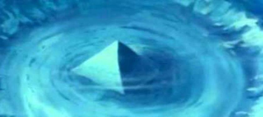 Пирамиди в Бермудския триъгълник