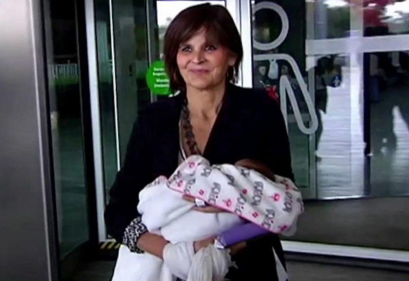 Живеех живот в сълзи: Докторка забременя на 62 години