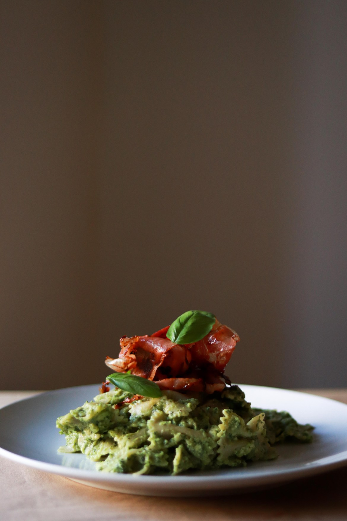 Avocado_Pesto_Pasta_with_Prosciutto2