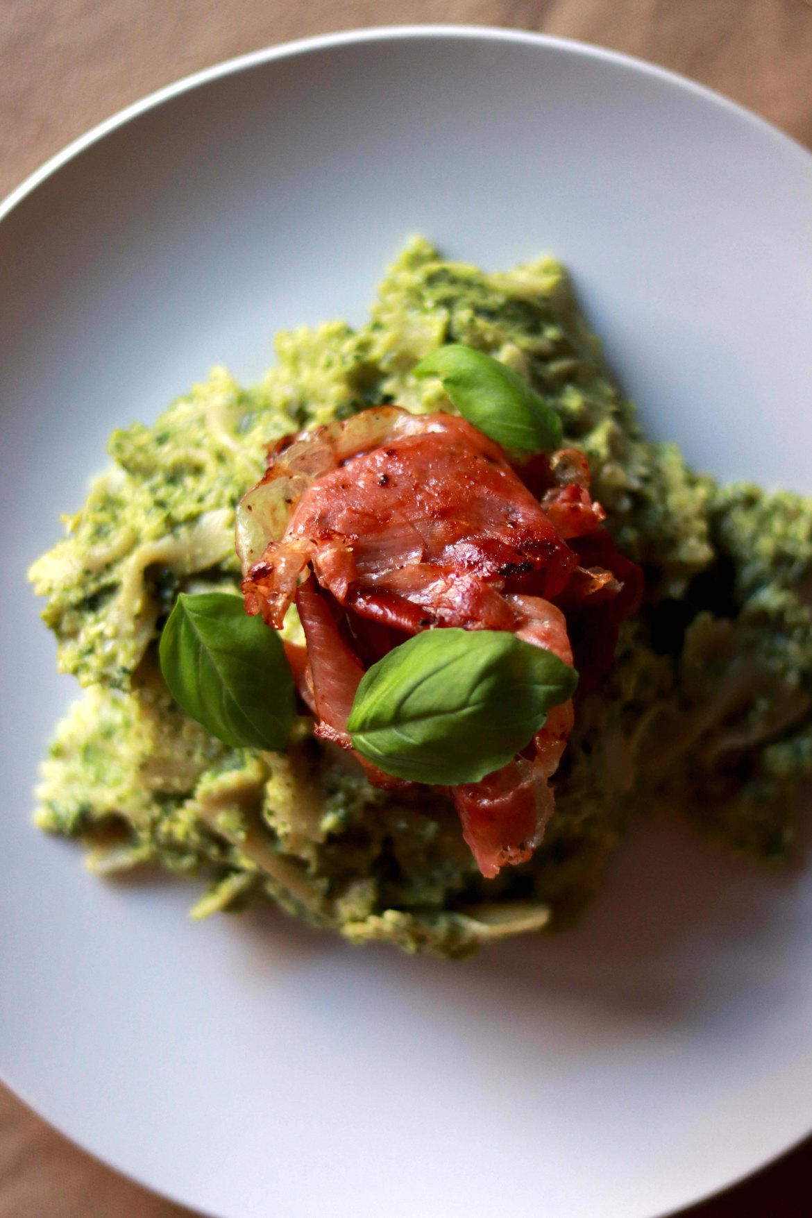 Avocado_Pesto_Pasta_with_Prosciutto3