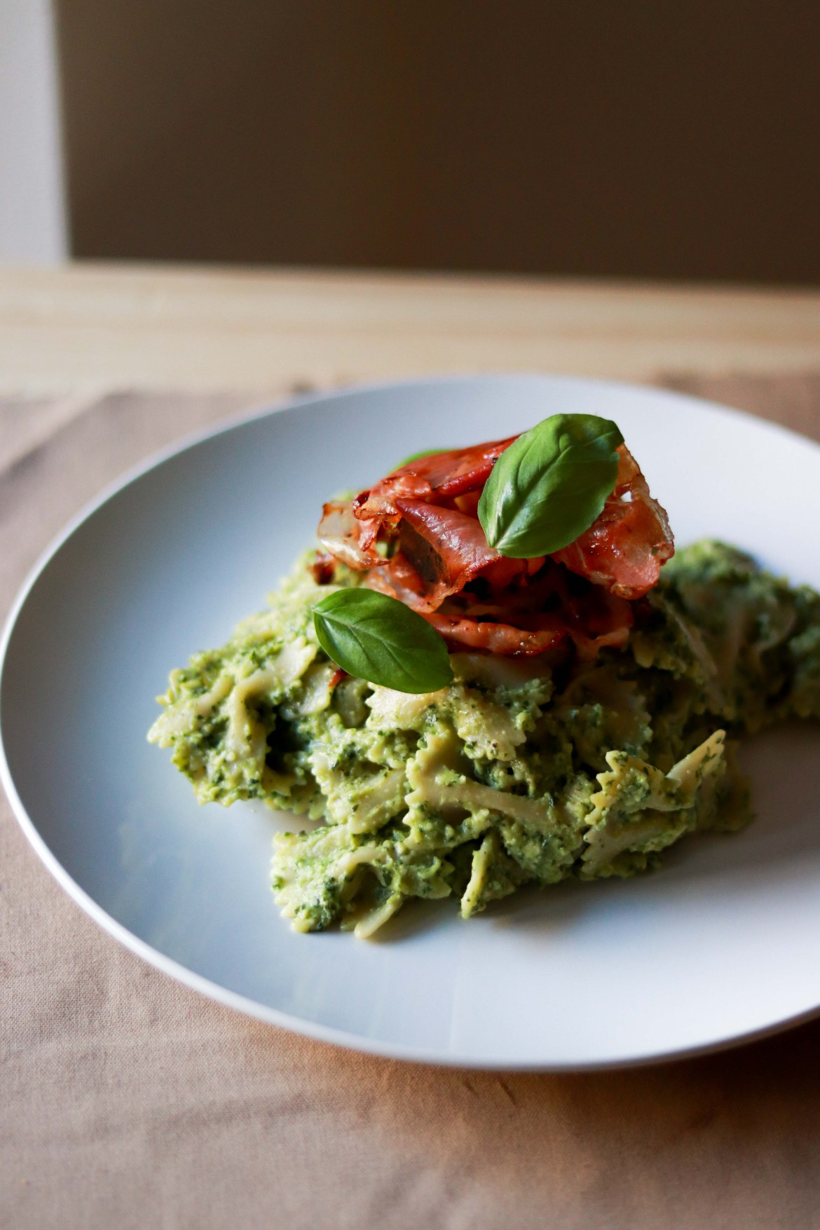 Avocado_Pesto_Pasta_with_Prosciutto5