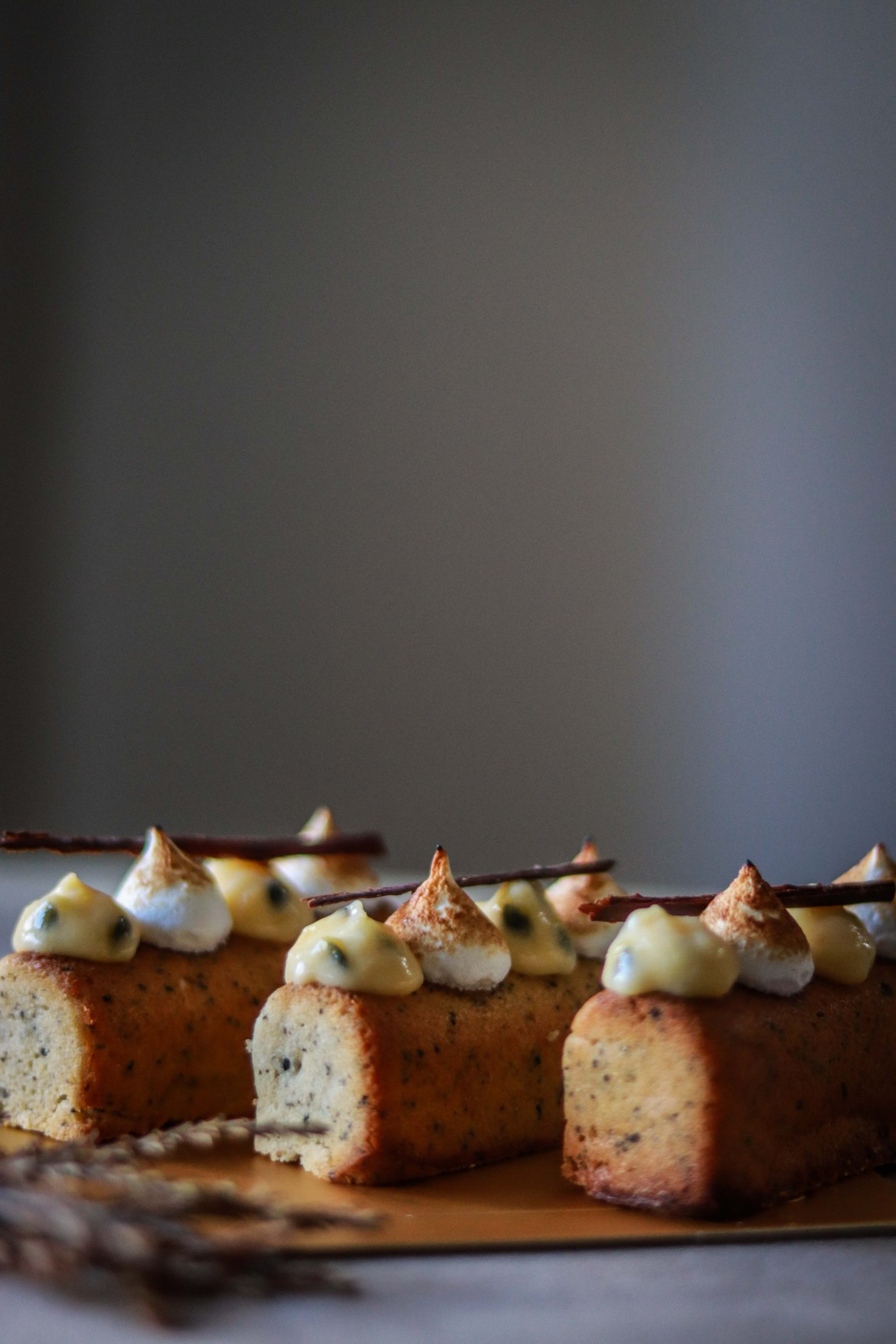 Earl_Grey_Cake_with_Passionfruitcurd_and_Toasted_Meringue2