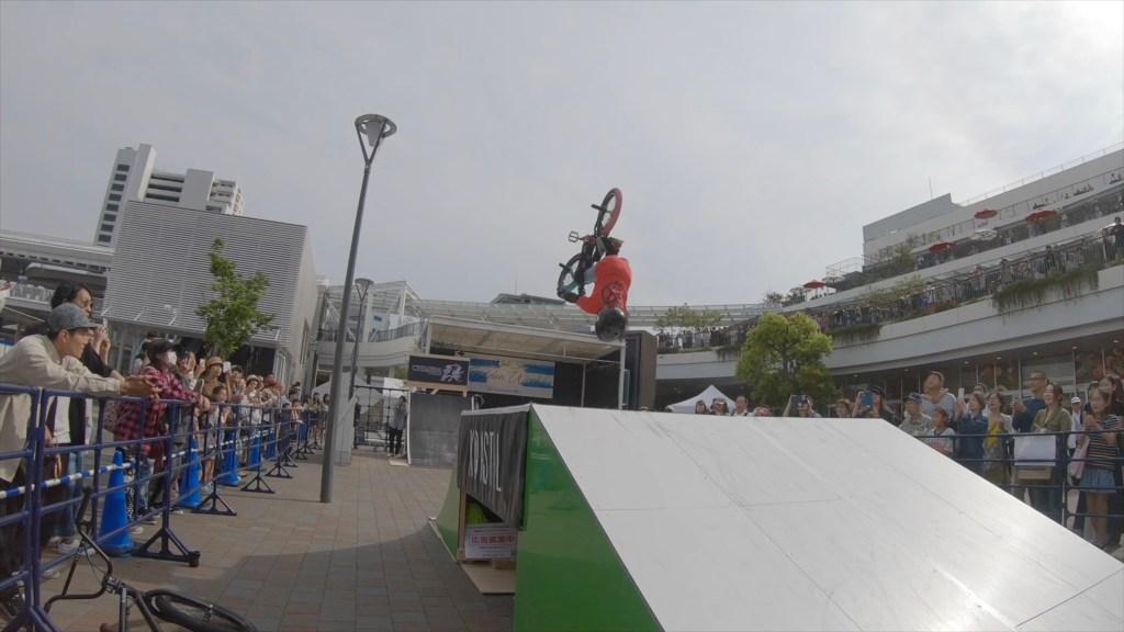 BMXでバックフリップをするスーパーキッズ松浦葵央 | KOASTALIFE EP.117