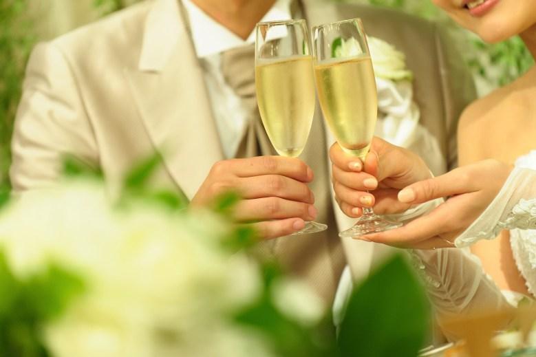 結婚式乾杯の写真手元