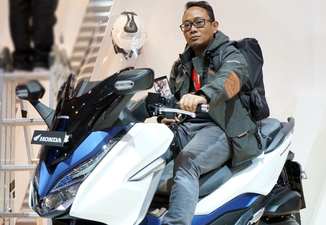 review Honda Forza 250