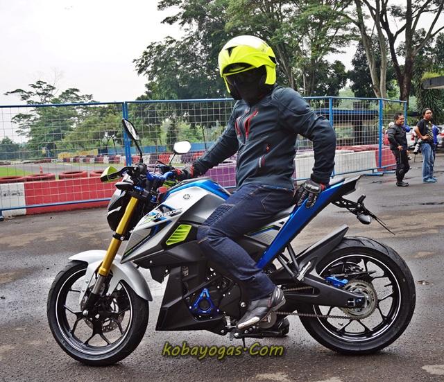 Yamaha Xabre modif 1