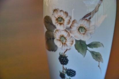 ロイヤルコペンハーゲン ブラックベリー柄 花瓶 1