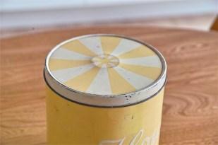 Regency Ware リージェンシー 英国 ウェアー社製 フラーワー缶 サーカステント柄イエロー 3