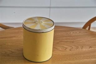 Regency Ware リージェンシー 英国 ウェアー社製 フラーワー缶 サーカステント柄イエロー 2