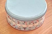 英国 ウースターウェアー(Worcester Ware)の名品! 茶摘み柄のケーキ缶 1