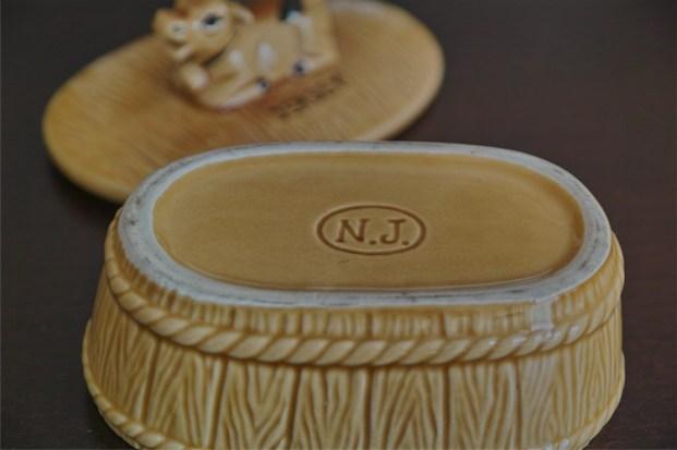 バター入れ 乳牛のつまみ 陶器製 1
