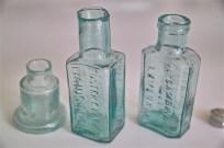 ガラスの薬瓶 × 3種 まとめて 2