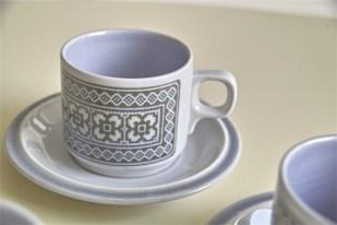 英国 ホーンジー(HORNSEA)コーヒーカップ&ソーサー × 3ヶセットで タペストリー柄 7
