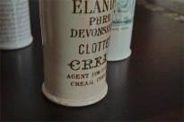 英国 クロテッドクリームボトル ブラウン文字 ロングサイズ 1